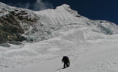 Islang Peak Climbing