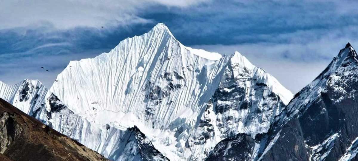 7000m Climbing Peaks Nepal