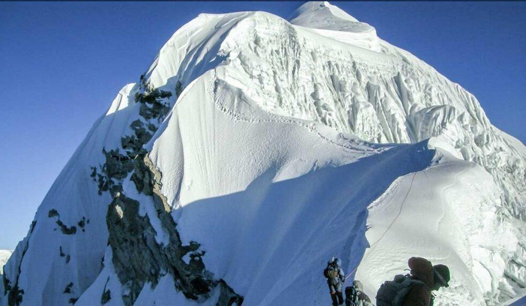 Baruntse Expedition In Nepal